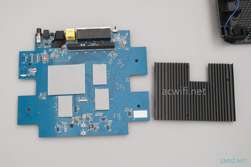 网件R7900P拆机,看一下跟R8000P有什么不同