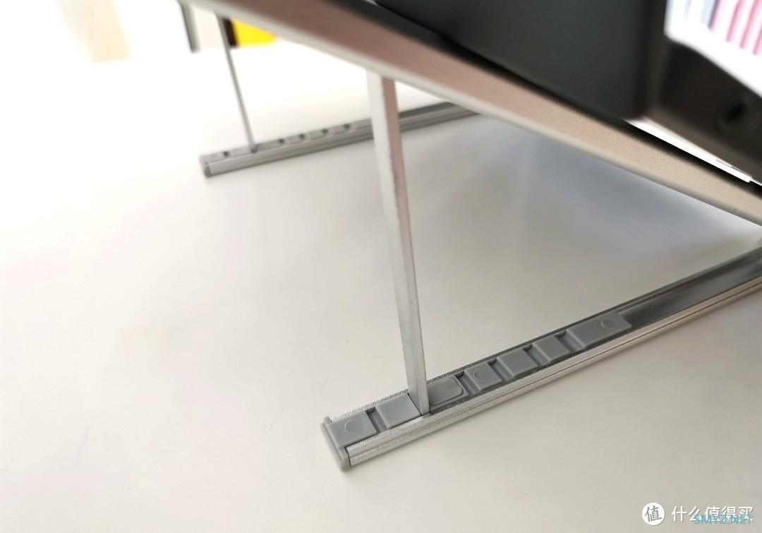 简约便携但不够稳固——某笔记本电脑支架入手体验